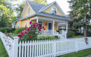 Ограждение на даче: плетеный забор, из дерева, живая изгородь