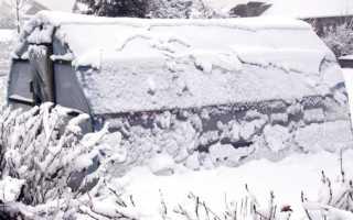 Теплица зимой: нужен ли в ней снег и почему